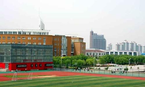 标准化体育场